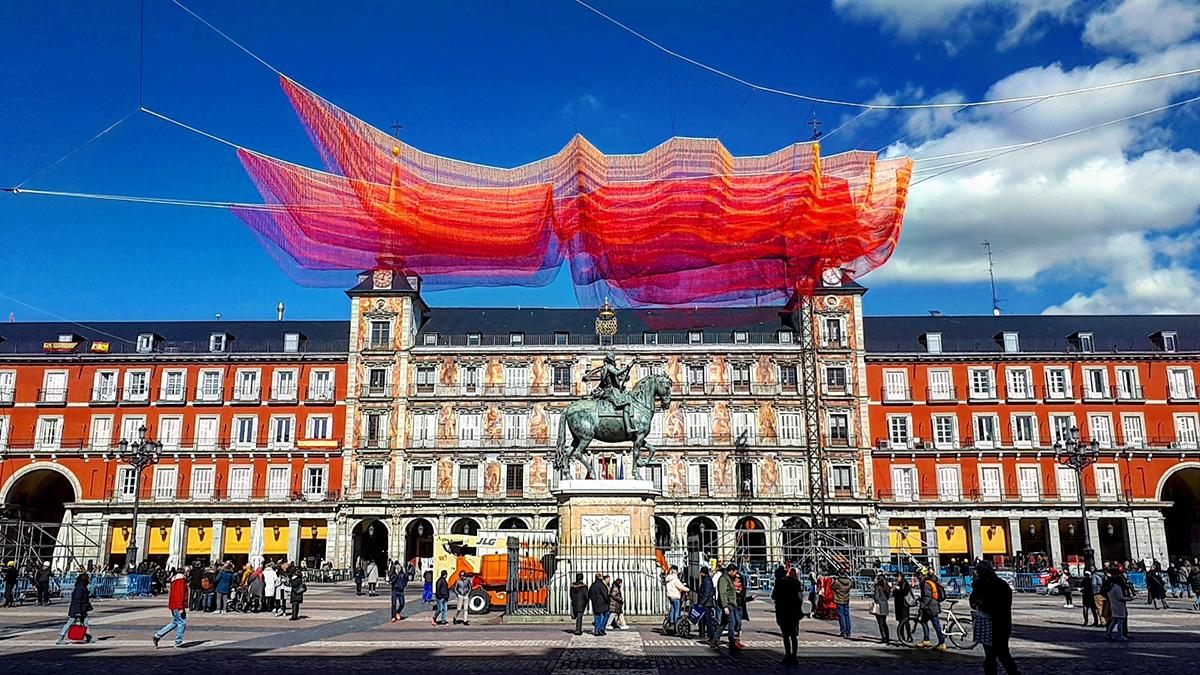 Knot-art in Plaza Mayor, Madrid