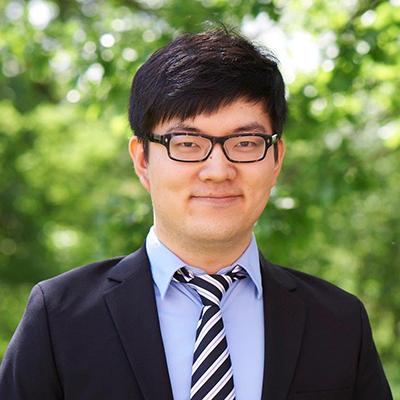 Headshot of Shi Li
