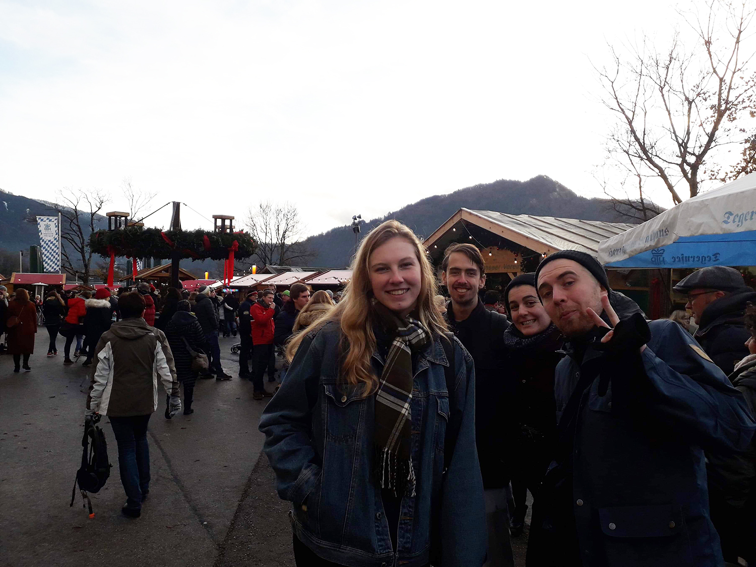 Jasmine and some friends smiling for the camera at Tegernsee Christmas market.