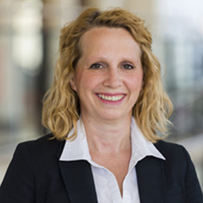 Headshot of Linda Schweitzer